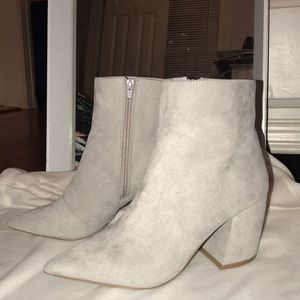 Pointed Toe Heel Boots